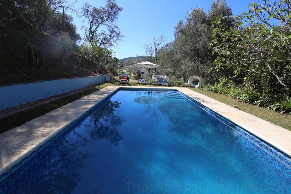 Alquileres de temporada fant stica casa rural familiar con gran piscina finca cerro munez - Casa rural manilva ...